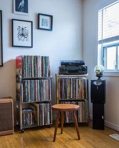 Chris & Meg's Darling City Cottage in Toronto – Erin Heaton // Music Note Art – Audioroom Toronto Apartment, Sound Room, Vinyl Record Storage, Record Shelf, Recording Studio Design, Tv Decor, Home Decor, Home Studio Music, Audio Room