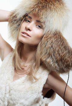 Классическая шапка из красной лисицы купить в Нижнем Новгороде | Фабрика «Меховая радуга»