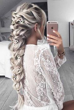 Cutest and Most Beautiful Homecoming Hairstyles ★ See more: glaminati.com/... Makeup Sets http://amzn.to/2lyQzdw