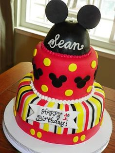 I'm thinking the ears could easily be done with Oreos or black sugar cookies instead of fondant.