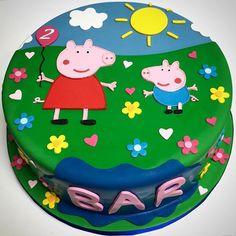 An adorable Peppa Pig birthday cake!