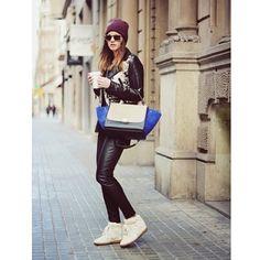 Isabel Marant x Celine @zinafashionvibe #style #styling #stylish #street #streetstyle #streetfashion #bag #sneakers #shoes #isabelmarant #celine #sunglasses #luxury #luxurybag #fashion #fashionable #hat #girl #zinafashionvibe