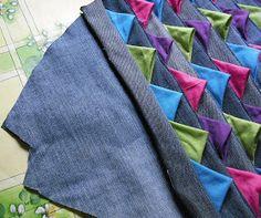 Peixe em patchwork Prairie Points, Denim Crafts, Patchwork Jeans, Recycle Jeans, Mug Rugs, Animal Crafts, Crochet Designs, Floor Rugs, Sewing Hacks