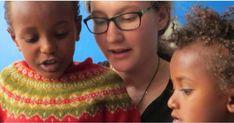Freiwillig ins Ausland: Wie? Was? Wann? Interesse an einem Freiwilligendienst im Ausland? Bernhard Morawetz berät junge Menschen, wie sie den richtigen auswählen und sich vorbereiten.  #Volontariat #Auslandserfahrung #Freiwilligendienst #helfen #Auslandssemester #meinplan_at Ehrenamtliches Engagement, Crochet Necklace, First Aid, People, Face, Guys