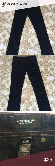 SALEExpress low rise cropped jeans These low rise Stella jeans are in excellent condition and super comfortable. They are skinny jeans but not super tight in the legs, more like a barely boot cut. Dark denim color. Express Jeans Ankle & Cropped