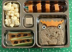 Kid lunch party, anyone?