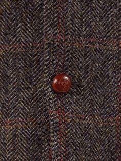 Leather Harris Tweed Orb buttons on this fine Mario Barutti Harris Tweed jacket.