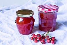 Šípkový džem Rosehip Jam Recipe, Rosehip Syrup, Jam Recipes, Low Carb Recipes, Vegan Recipes, Healthy Eating Tips, Healthy Nutrition, Vegetable Drinks, Mushroom Recipes