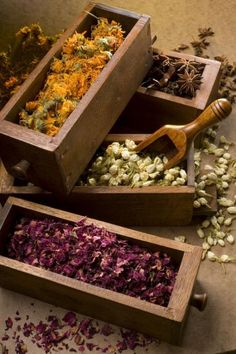 ♡Have some dried flowers to scoop into your tub for a flowery bath! xox yogagurl