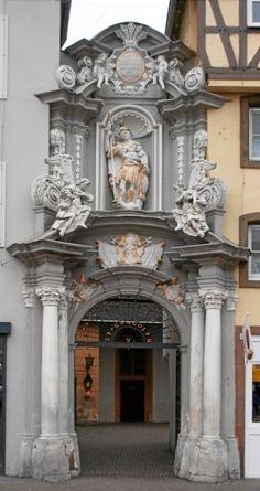 Eingang zu St. Gangolf