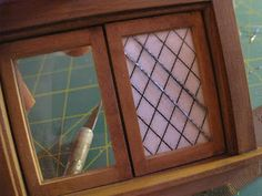 Glorious Twelfth: How To Make A Dollhouse Miniature Lead Paned Window Diy Doll Miniatures, Dollhouse Miniature Tutorials, Diy Dollhouse, Dollhouse Furniture, Dollhouse Windows, Diy Centerpieces, Glass Paperweights, Stained Glass Art, Miniture Things