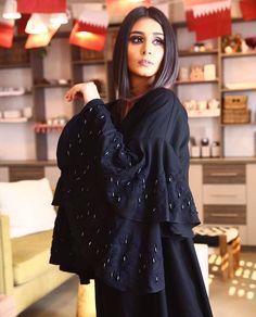Abaya Fashion, Muslim Fashion, Modest Fashion, Fashion Outfits, Burqa Designs, Abaya Designs, Modern Abaya, Hijab Evening Dress, Hijab Style Tutorial
