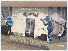 Paparazzi murales
