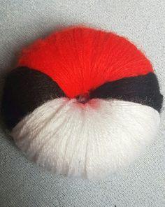 Pompom pokeball (: