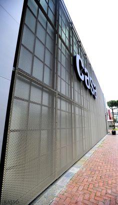 Expanded Metal Mesh Facade // Casa Furniture - İstanbul/ TURKEY // Metal Facade Manufacturer: KASSO Engineering