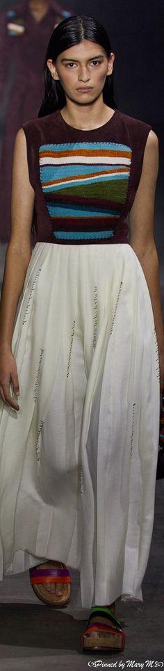 Gabriela Hearst, Runway, Sari, Skirts, Dresses, Fashion, Feminine, Cat Walk, Saree