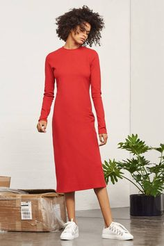 Calf-length knit dress in red