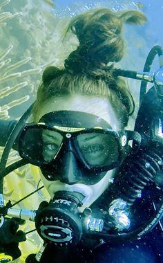 Women's Diving, Best Scuba Diving, Diving Suit, Scuba Diving Gear, Underwater Photos, Underwater Photography, Scuba Wetsuit, Dangerous Sports, Scuba Girl