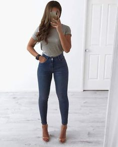 Cute Outfits with Blue Jeans with Heels Dark Blue Jeans Outfit, Jeans And T Shirt Outfit, Blue Jean Outfits, Jeans Outfit Summer, Jeans And Tshirt, Tucked In Shirt Outfit, Mode Outfits, Fall Outfits, Fashion Outfits