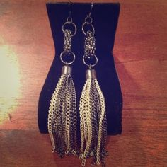 💫Sale💫 Mixed Metal Dangle Earrings 😍 🎉 HP - Simply Chic Party 11/27/16 🎉 Holiday Style Party 12/01/16 🎉 #PoshLoveFest: Total Trendsetter Party 12/06/16 🎉 Worn A Couple Times | Sterilized | Silver & Gunmetal | Good Condition | About 4in Dangle | Matching Necklace In Closet As Well | 🚫Trades | Feel Free To Ask Questions 🙋| More 📷 Upon Request | Check Out Daily Deal For Price Reduction ❤| Jewelry Earrings
