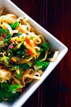 Spicy Rice Noodle Salad | omnivorescookbook.com