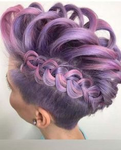 20 Stunning Braids on Steroids with Ripped Clipper in 2018. Searching for unique braid styles? See here our collection of best braids for all the fashionable and gorgeous ladies to show off in these days. There are so many different ways that you may use to opt while creating the beautiful braids. See here the beautiful styles of braids on steroids with ripped clipper for 2018.