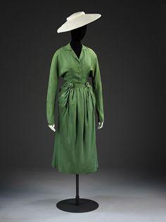 Green; Corolle et en Huit; New Look Object: Day dress Place of origin: France (made) Date: 1947 (made) Artist/Maker: Dior