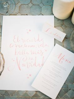 Pink Christmas wedding: http://www.stylemepretty.com/little-black-book-blog/2014/12/11/romantic-pink-navidad-wedding-inspiration/ | Photography: Mireia Cordomi - http://www.mireiacordomi.com/