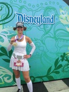 Princess Leia Running Costume via Team Shenanigans Halloween Running Costumes, Run Disney Costumes, Star Wars Costumes, Diy Costumes, Costume Ideas, Disney Outfits, Cinderella Running Costume, Princess Running Costume, Disney Half Marathon
