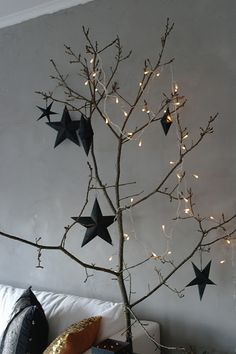 Simple twig tree