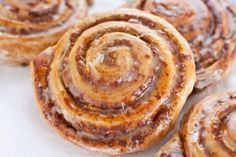 Nussschnecken nut screw Related posts: Espresso nut cake with cherries Protein Pudding screw nut cake Sweet Potato Chocolate Pudding with Nut Crumble Topping Blueberry Pastry Recipe, Pastry Recipes, Cake Recipes, Snails Recipe, German Baking, Austrian Recipes, Food Cakes, Crepes, Eat Cake