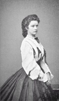 Sissi, Empress Elisabeth of Austria-Hungary. Cousin to Ludwig II. Edwardian Clothing, Historical Clothing, Austria, Old Photos, Vintage Photos, Die Habsburger, Empress Sissi, Cousin Love, Civil War Fashion