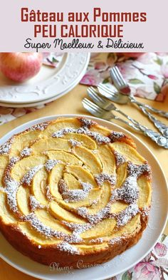 Gâteau aux pommes peu calorique A delicious low-calorie apple cake, as soft as you want. Something to feast on without too much guilt with this light apple cake! Calories Apple, Cake Recipes, Dessert Recipes, Ww Desserts, No Calorie Foods, Apple Cake, Breakfast Recipes, Food And Drink, Cooking Recipes