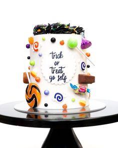 Holloween Cake, Halloween Cupcakes, Halloween Goodies, Halloween Treats, Strawberry Cake Pops, Fall Cakes, Cake Pictures, Cake Shop, Love Cake