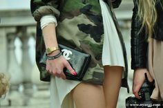camo x chanel. yum. Military Camouflage, Military Fashion, Military Style, Get Dressed, Blair Eadie, Military Academy, Her Style, Fashion Forward, Arm