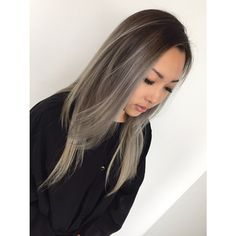 Love this silver tone hair color