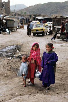 Afghanistan   .voce acha que tem o direito de reclamar de alguma coisa. Deviamos ter vergonha
