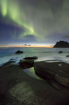 Planning a photography trip to the Lofoten Islands in Norway. The perfect rugged landscape for astrophotography and the Aurora. Photography Basics, Photography Tips For Beginners, Photography Tutorials, Photography Photos, Travel Photography, Photographing The Moon, Cool Pictures, Cool Photos, Beach At Night