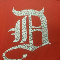 Detroit D on the Front. 313 Detroit on the back. Sizes small to 5xl.
