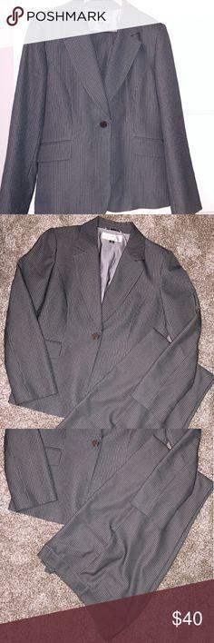 Tahari gray pinstripe painsuit Lined and nice and lightweight. Tahari Jackets & Coats Blazers