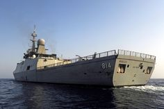 Royal Saudi Navy KSA Makkah.Al Riyadh (F3000S) Class multipurpose anti-air warfare frigates have been built by DCN of France for the Royal Saudi Naval Forces. The frigates, based on DCN's stealth frigate design, are about 25% larger than the French La Fayette Class frigate and have additional capabilities, for example enhanced anti-air warfare and anti-submarine capability, to achieve the operational requirements of the Royal Saudi Naval Forces.
