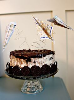 GusAndLula-Such a sweet blog-really cute airplane themed birthday party for Gus. Recipe for ice cream cake as well.