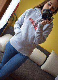 Kup mój przedmiot na #vintedpl http://www.vinted.pl/damska-odziez/bluzy/13742913-bluza-z-kapturem-szara-modna