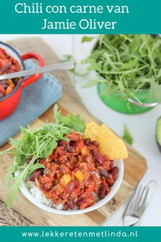 Chili con carne van Jamie Oliver - Lekker eten met Linda Jamie Oliver, Mexican Food Recipes, Healthy Recipes, Ethnic Recipes, Good Food, Yummy Food, Happy Foods, Couscous, Slow Cooker