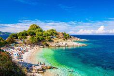 Corfu (Grécia) - Considerada a ilha mais verde da Grécia, Corfu reúne praias paradisíacas, montanhas... - Shutterstock