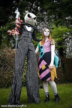 Jack Skellington and Sally couples costumes (Nightmare before Christmas) Halloween! Soirée Halloween, Nightmare Before Christmas Halloween, Hallowen Costume, Couple Halloween Costumes, Halloween Cosplay, Holidays Halloween, Christmas Costumes, Halloween Makeup, Clever Costumes