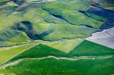 Field Corners II  Snake River Valley, ID 2005  © Alex S. MacLean / Landslides Aerial Photography / http://alexmaclean.com  For print + licensing inquiries, please email alex@alexmaclean.com