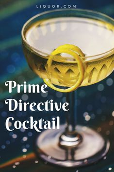 Gin Drinks We Love: The Prime Directive Keep things light and herby with this delicious gin cocktail. Inspired by Star Trek, Plymouth gin, Bianco vermouth, Bénédictine liqueur and Angostura bitters combine for a drink that is truly out of this world. Fall Wedding Cocktails, Festive Cocktails, Christmas Cocktails, Cocktail Drinks, Fun Drinks, Alcoholic Drinks, Beverages, Spring Cocktails, Halloween Cocktails