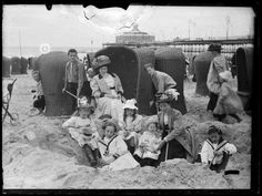 + Beach of Scheveningen. 1910 +