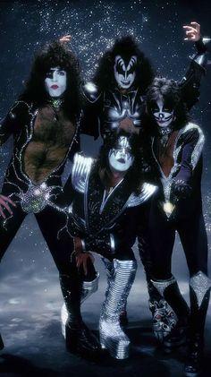 Kiss Spirit of 76 Band Kiss Images, Kiss Pictures, Paul Stanley, Banda Kiss, Kiss Group, Detroit Rock City, Sparkles Background, Gene Simmons, Vintage Kiss